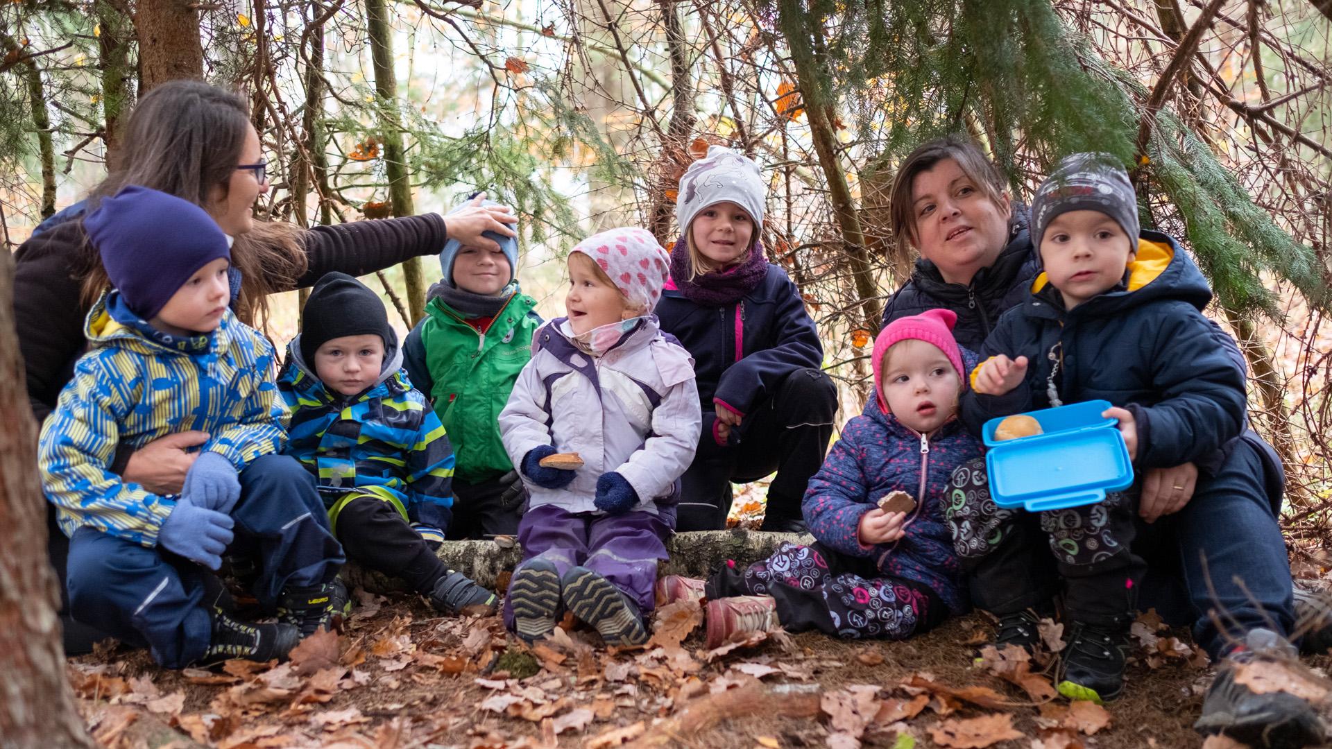 Děti v lesní školce Broučci Kladno